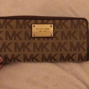 Michael Kors Wallet gently used